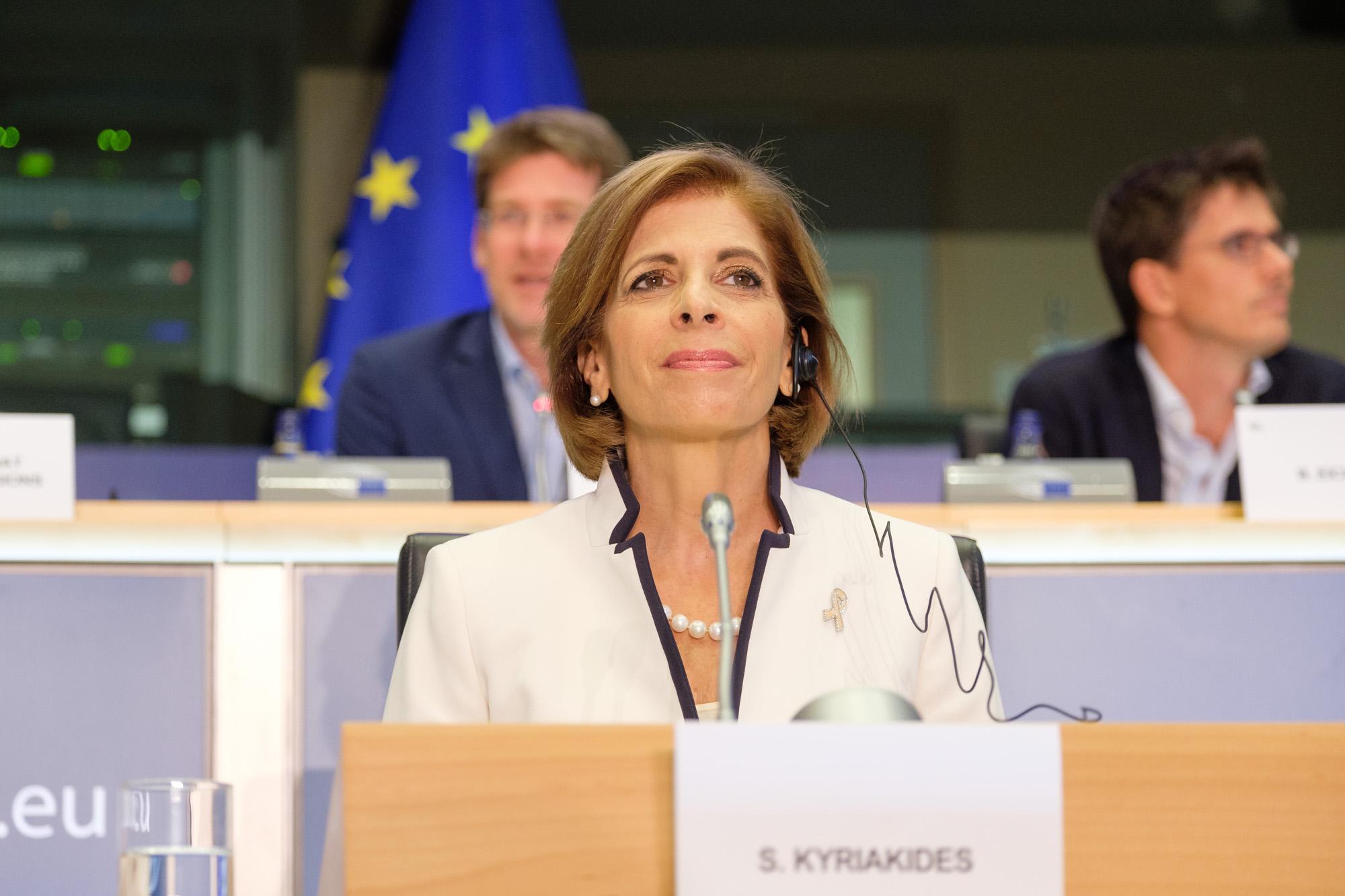 """Comisia Europeană: """"Legislația privind OMG nu este adecvată pentru noile tehnici genomice!"""""""