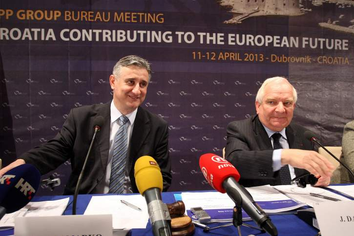 Press conference closing first day of the meeting