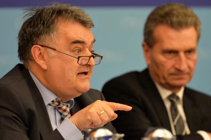 Herbert Reul MEP addresses the EPP Group Bureau Meeting