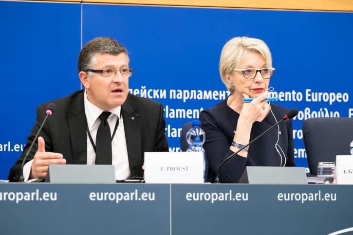 Pressekonferenz über die europäische Weltraumindustriepolitik