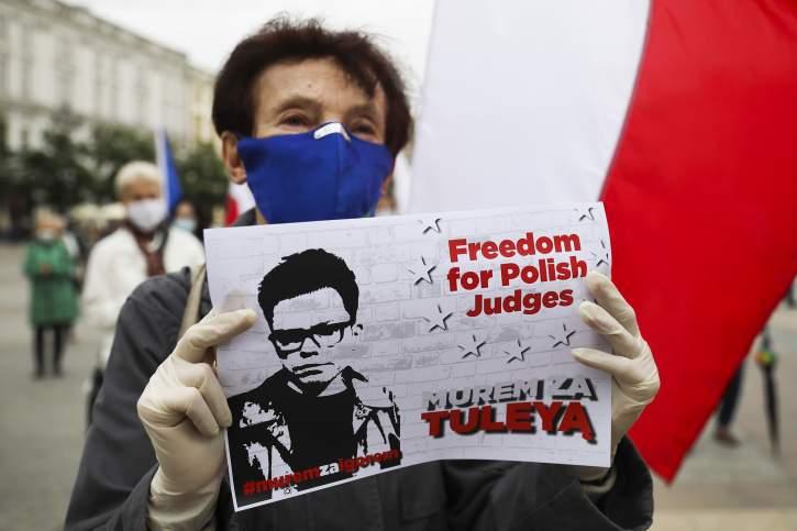 Polish woman requesting freedom of judges
